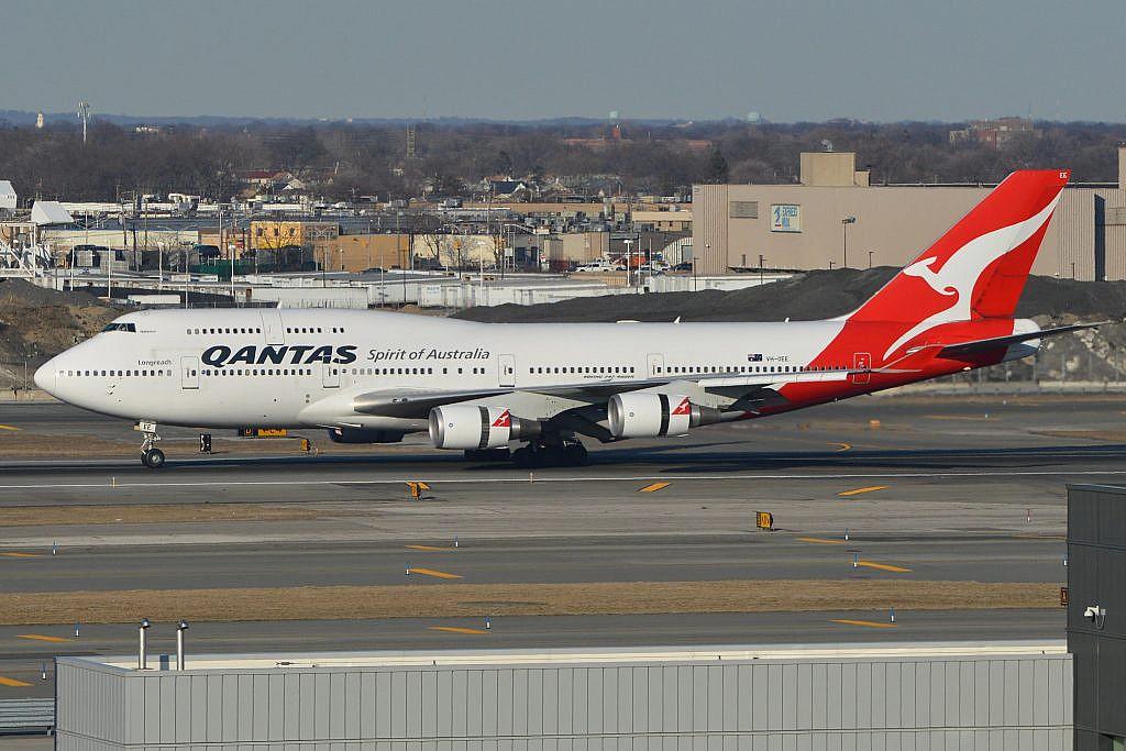 Qantas Boeing 747-438ER