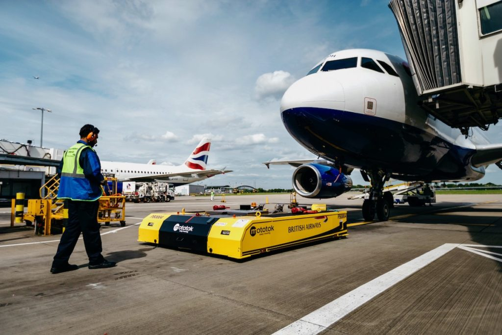 Mototok Pushes Back an Aircraft at Heathrow