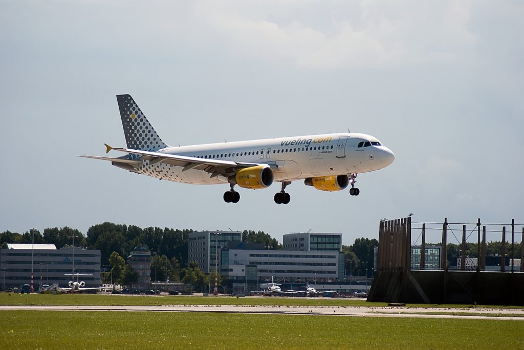 Vueling coming into land