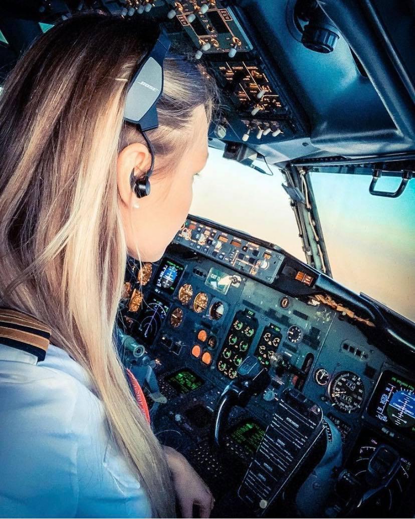 Dutch Pilot Girl on Instagram