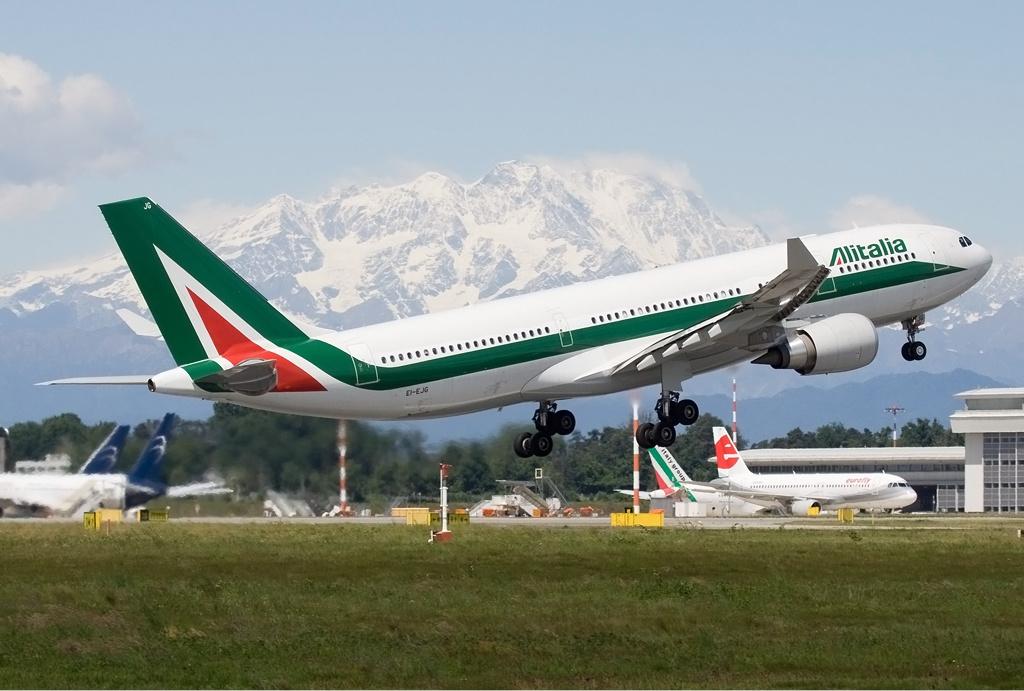 An Alitalia A330. Photo by Davide Olivati