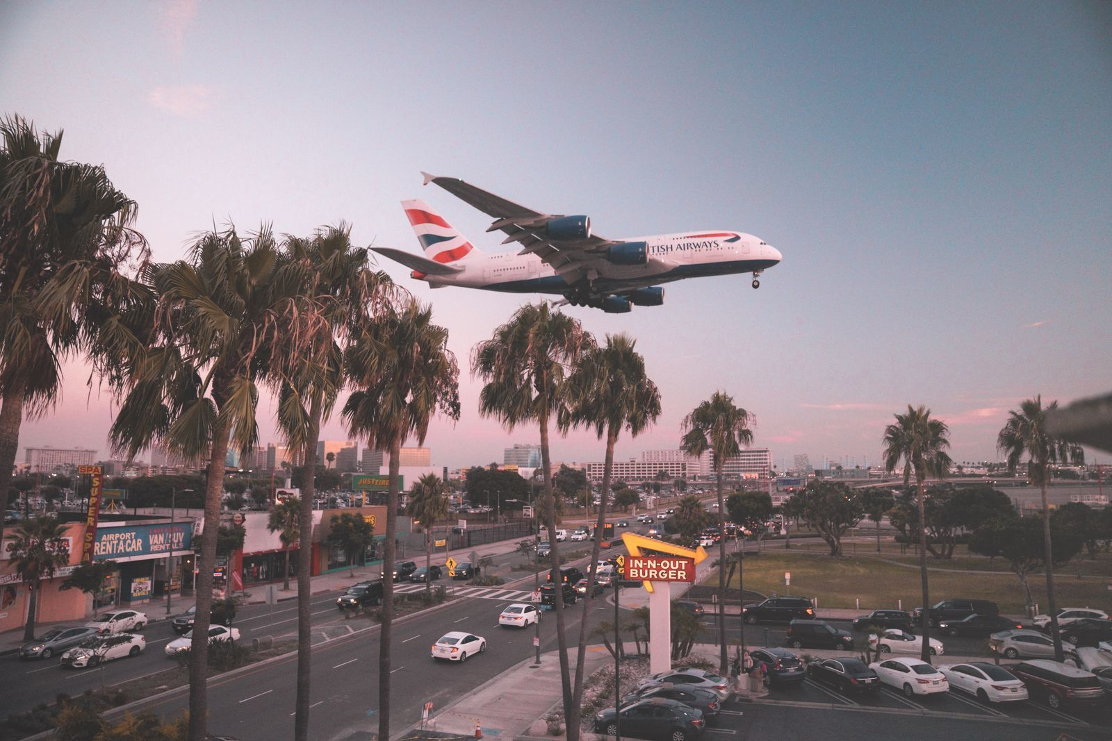 British Airways plane flying over iconic California as passenger numbers on the rise in the united states