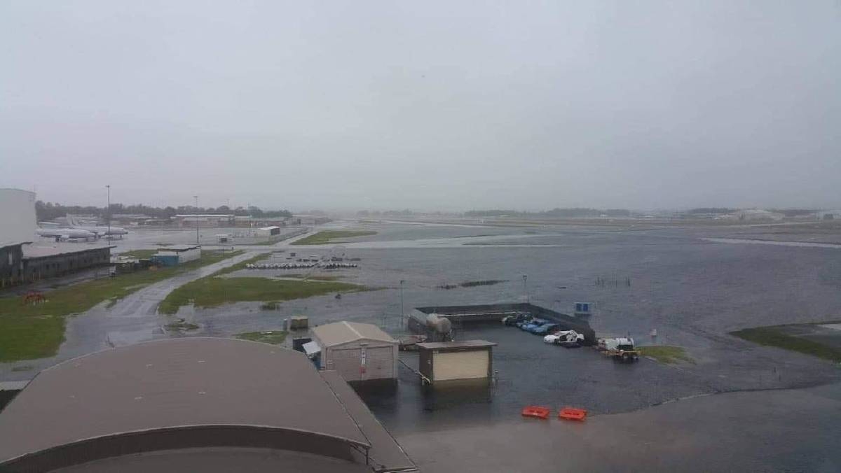 Sydney flooding caused Newcastle airport to close its runway until Wednesday