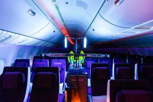 Qatar Aiways using a UV machine © Qatar Airways