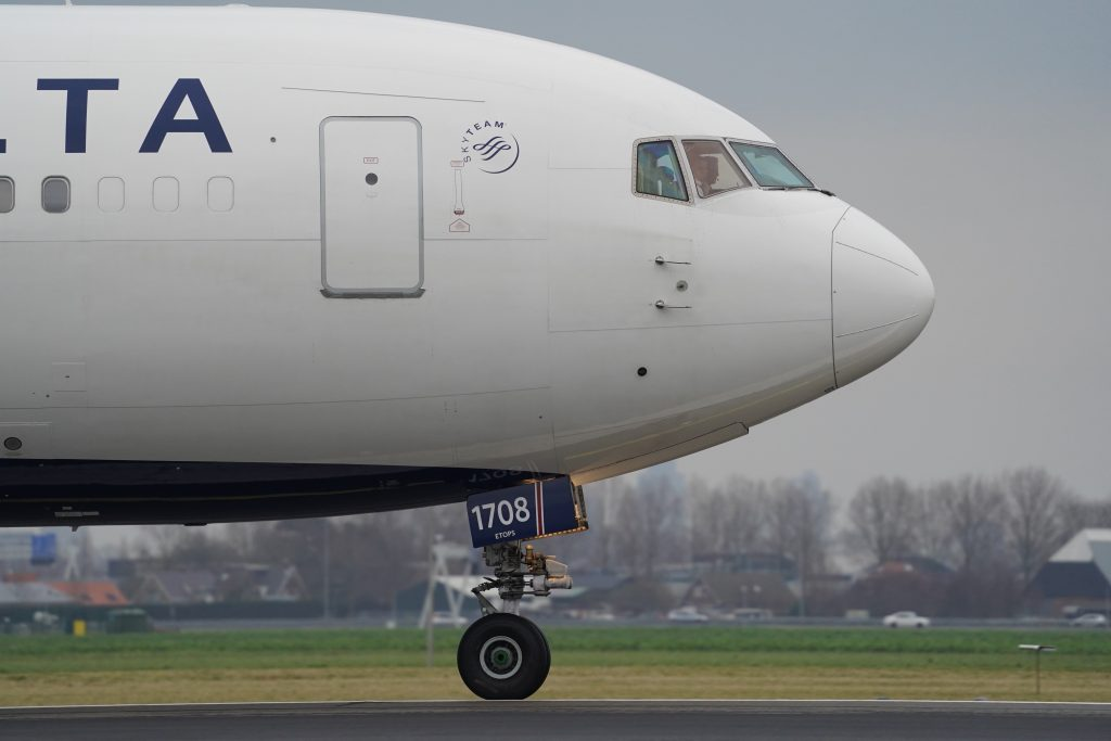 Delta B767 taxiing. Photo by Jan Rosolino