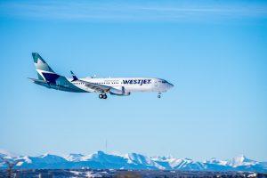 Westjet 737 MAX landing in Calgary. Photo by Justin Hu