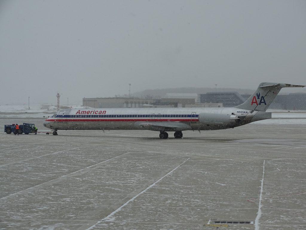 AA MD-82. Photo by Miguel Ángel Sanz