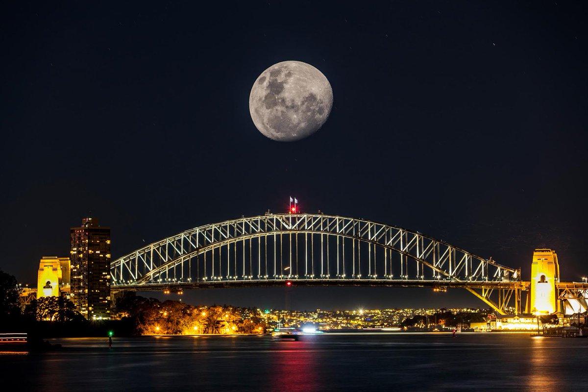 Sydney Super moon