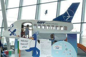 LOT Polish Airlines for children