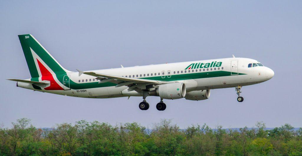 Alitalia A320 on short final.