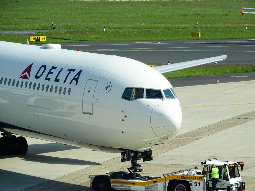 Delta B767. Photo by Miguel Ángel Sanz