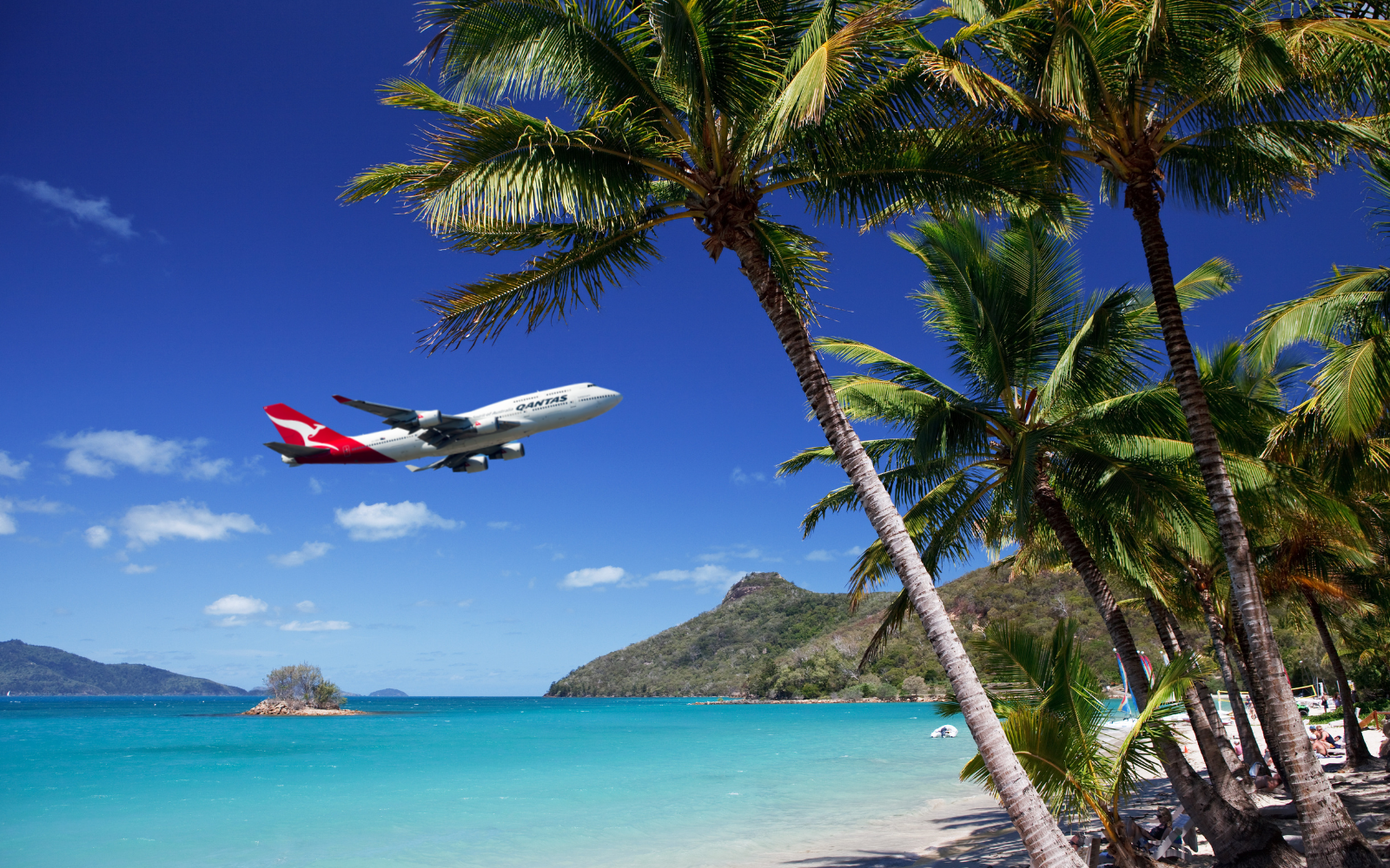 Qantas Lands in the Whitsundays after a Seventeen year absence