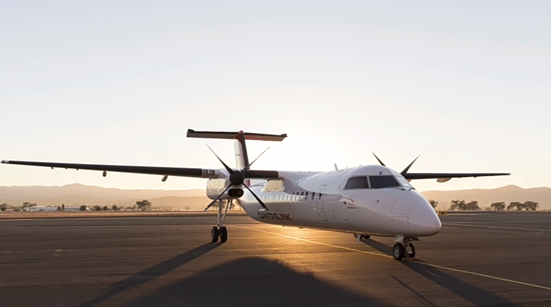 Q400 turboprop aircraft will be used between Brisbane and Proserpine by QantasLink