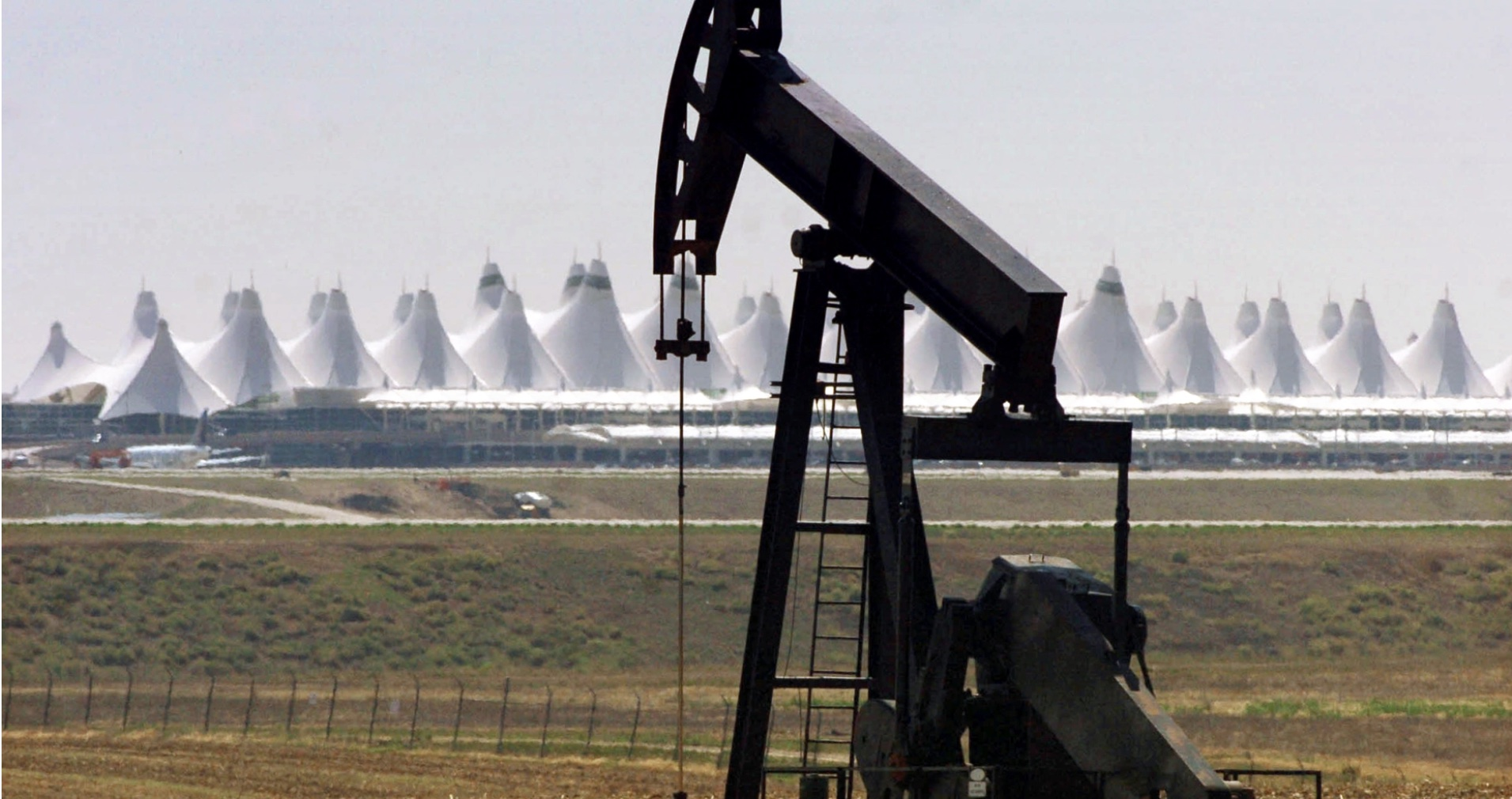 Showing the oil and gas wells at Denver International Airport