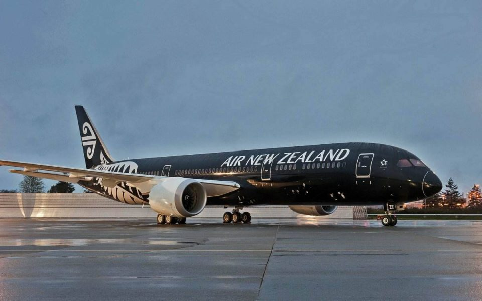Showing 787 Air New Zealand plane