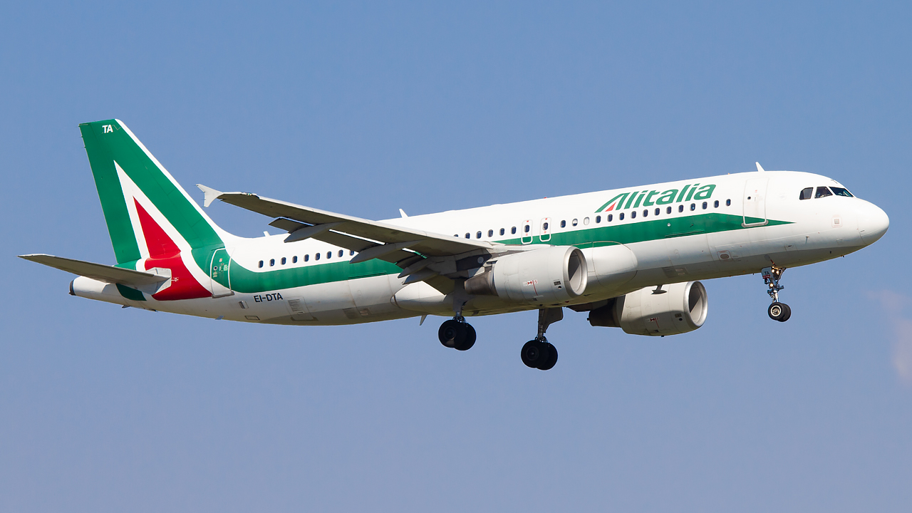 Alitalia A320 © TravelRadar - Andrea Ongaro